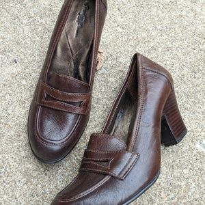 Born Crown Brown Leather Loafer Heels Size 8/39